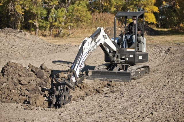 McGavin Farm Equipment Ltd  | Bobcat E32 Compact Excavator