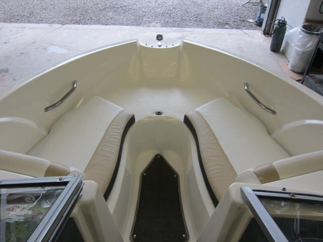 2012 Larson boat for sale, model of the boat is LX 850 & Image # 3 of 7